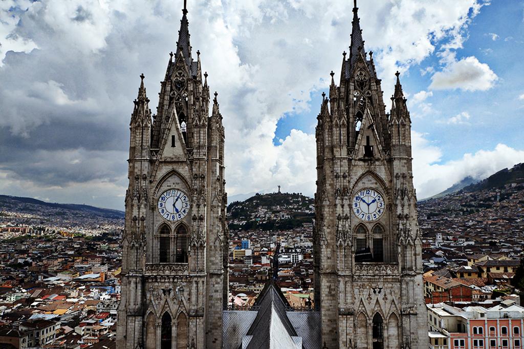 Anna-Borisenko-Passion-Passport-South-America-Photo-Essay-Quito-Ecuador3