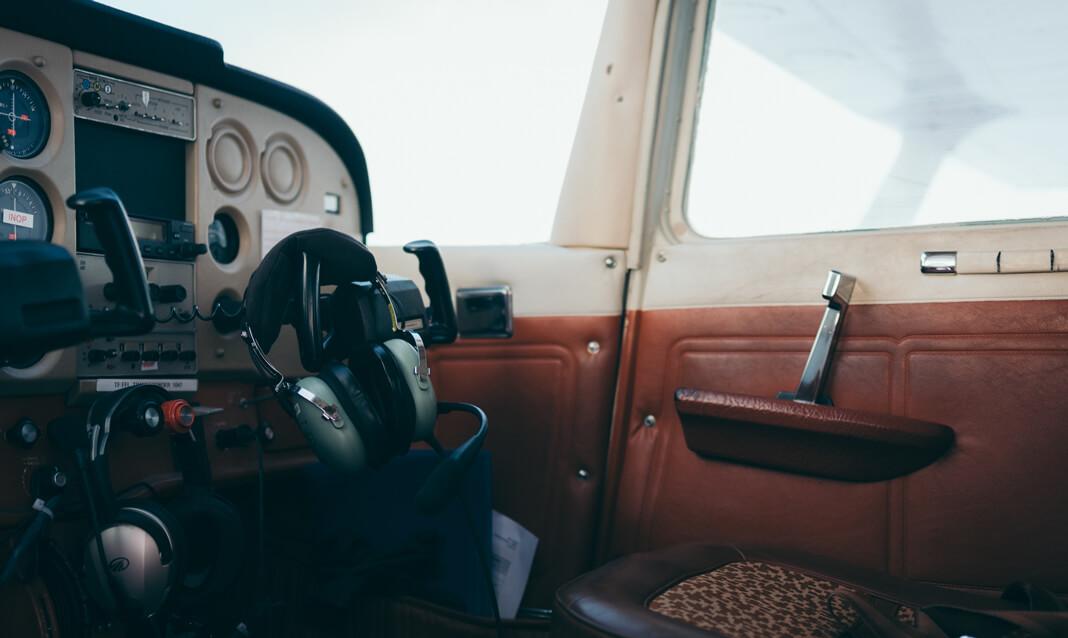 Plane dashboard