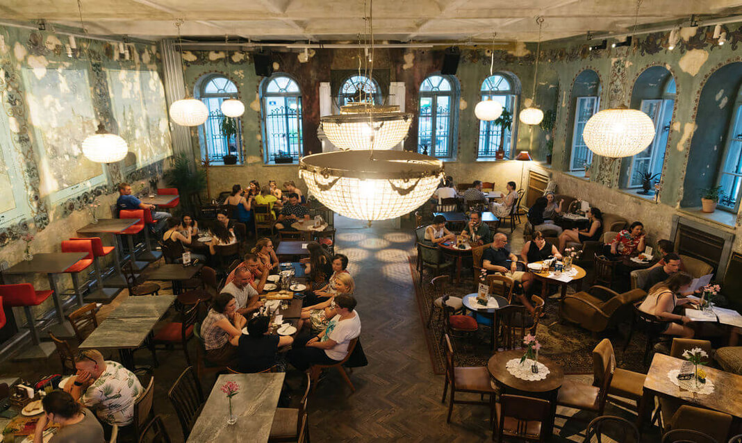 people dining at herve in krakow.