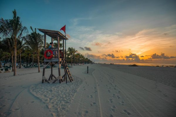 best places for digital nomads - playa del carmen - beach at sunset